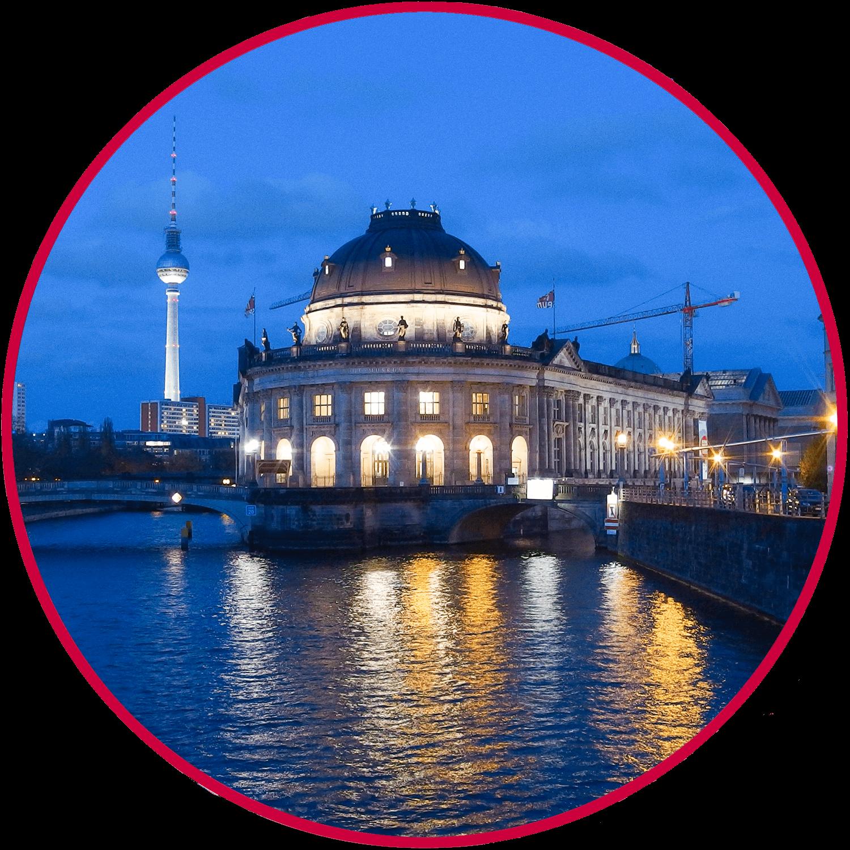 Abendliche Brückenfahrt Berlin-Bodemuseum