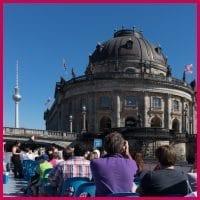 Berlin Brückenfahrt mit Fernsehturm und Bodemuseum
