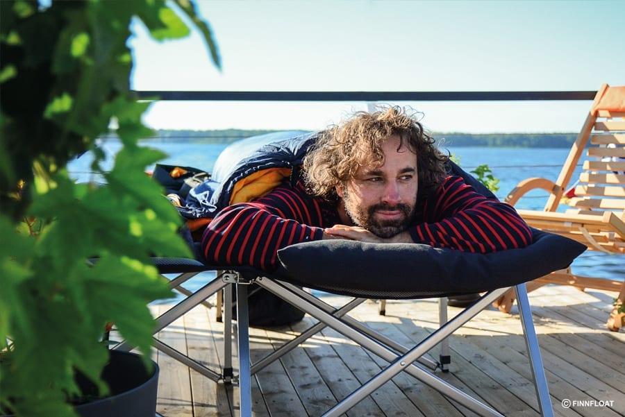 Entspannen auf der Dachterrasse des Saunafloßes