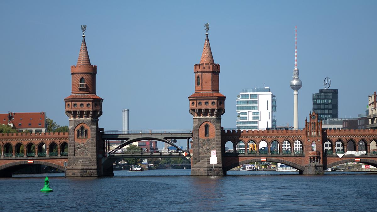 Spreefahrten Berlin Friedrichstraße - Oberbaumbrücke