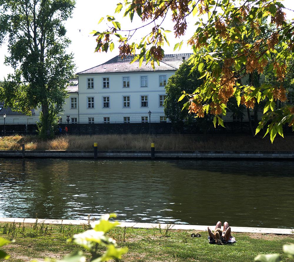 Spreefahrten Berlin Friedrichstraße - Schloss Bellevue