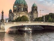 Berlin Boat Tour 1 Hour - Berliner Dom