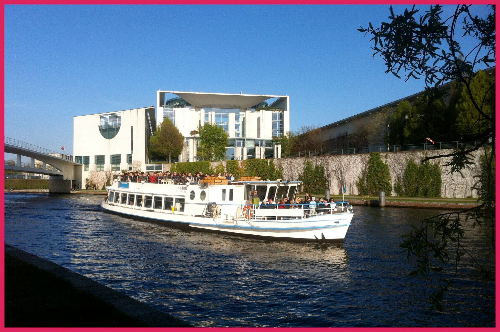 Berlin Spree River Cruise - Bundeskanzleramt