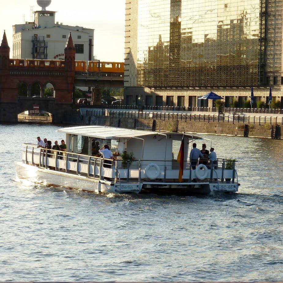 schifffahrt-berlin-charterfahrt-abends